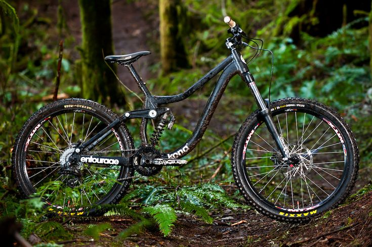 New Kona Entourage DH rig.