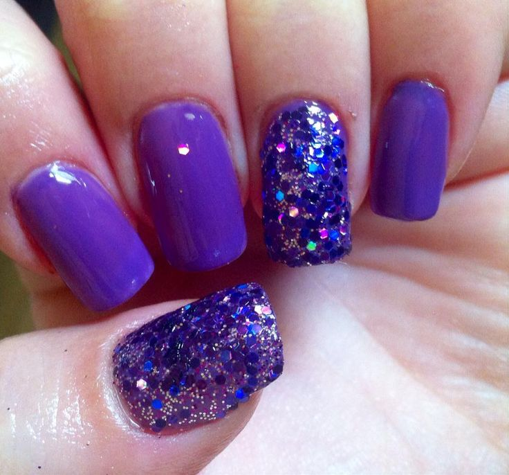 gel with forms and simple polish color<3