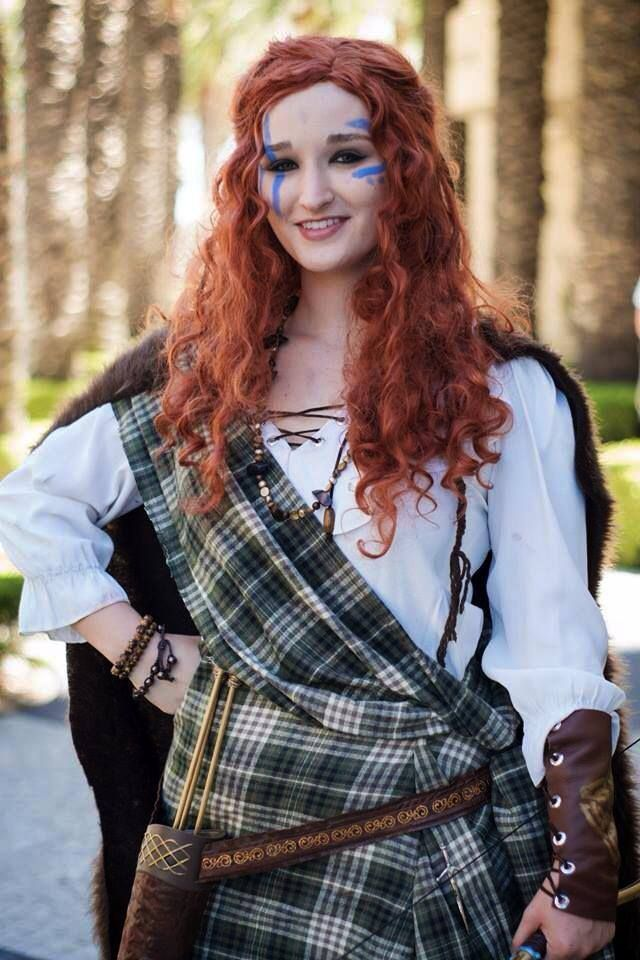 warrior merida cosplay in traditional scottish garb and face paint - Scottish Girl Halloween Costume