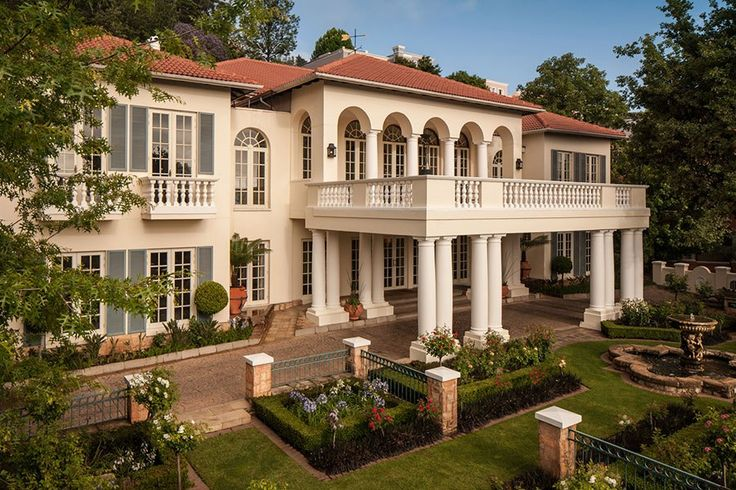 The stately exterior of The Four Seasons in Johannesburg