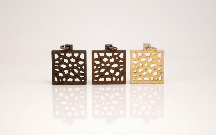 Ciondolo quadrato piccolo acciaio nero,brunito,dorato satinato stampa 3d.Pendente metallo disegno astratto,gioielli acciaio design moderno di DioneaDesignJewelry su Etsy