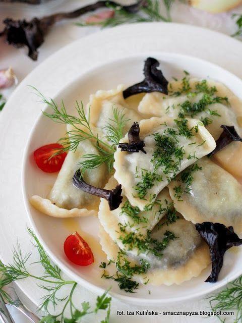 Smaczna Pyza - Sprawdzone przepisy kulinarne: Pierogi z grzybami i soczewicą