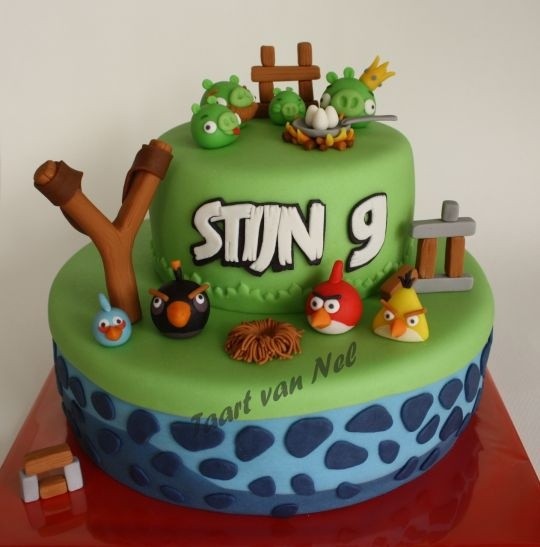 495 best images about angry birds cakes more more for Angry birds cake decoration kit