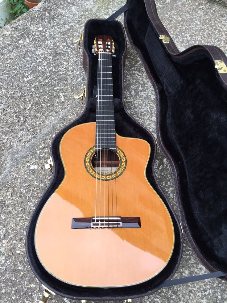 Hirade Takamine TH5C Electro Classical Guitar