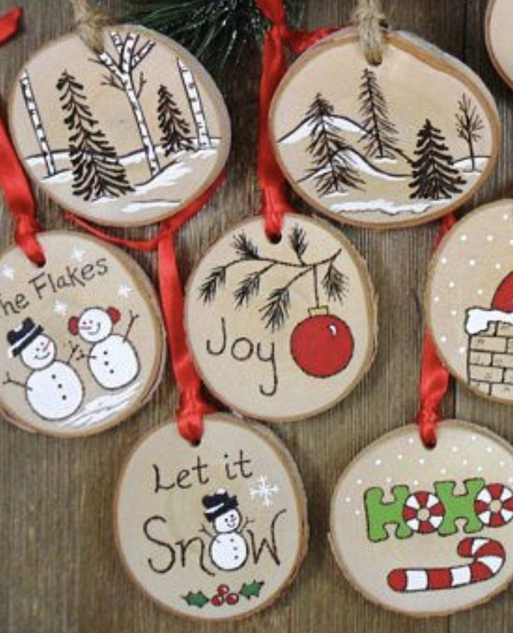 Painted log slices Christmas tree decorations #WoodWorking