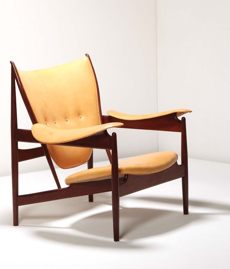 Finn Juhl Chieftain easy chair, ca,1949.Produced by cabinetmaker Niels Vodder, Denmark. Materials teak and leather. / Phillips