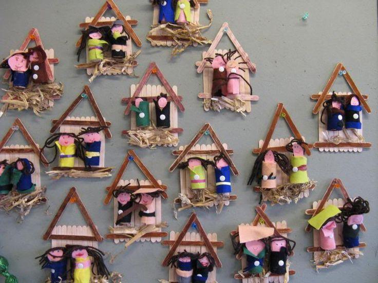 Dit vind ik nu eens een origineel idee. Een kerststal die je kunt maken met kinderen. Erg schattig.