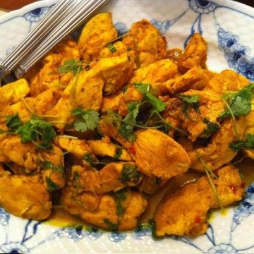 Kyckling med gurkmeja och koriander - Recept - Tasteline.com