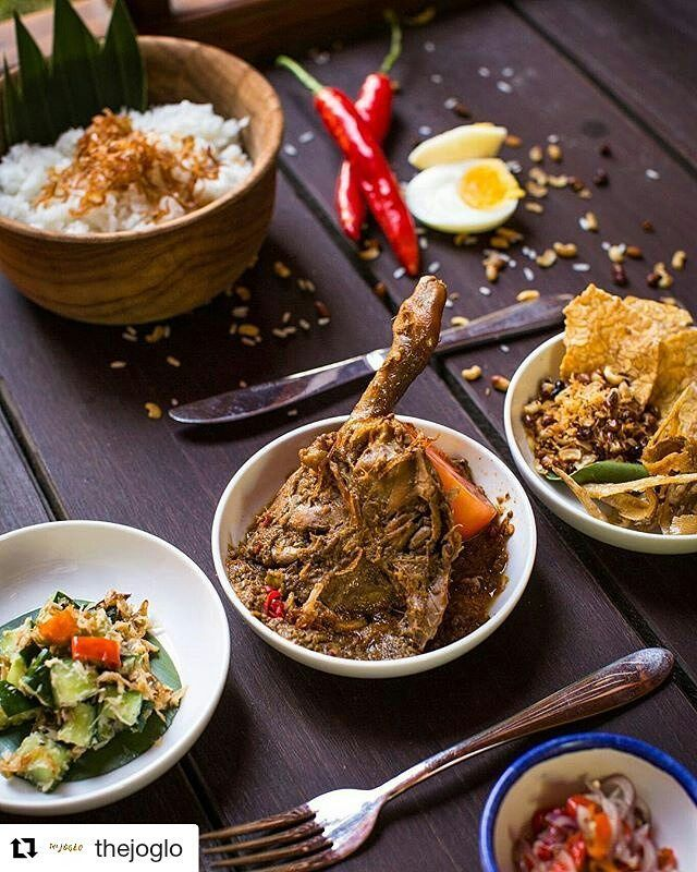 Lunch time!! Grab the most authentic nasi campur in Bali brought to you by @madeswarung with a glass of Ice Tea for only 50K  between 12-3pm on weekdaysOnly at The Joglo! Selamat Makan! . #food #bali #holiday #travelling #traveling #wanderlust #globetrotter #travel #travelblogger #flatlays #flatlay #flatlayoftheday #lunch #yummy #acolorstory #foodlover #tumblr #foodforfoodie #style #foodie #foodblogger #madeswarung #pizza #like4like #likeforlike #lucaspizzabali #thebalibible #tagforlikes…