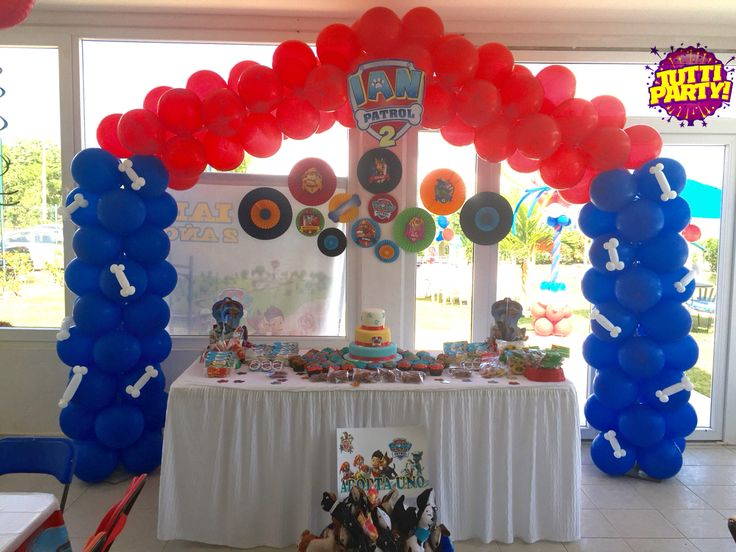 Dog house balloons decorations, paw patrol arch balloons, patrulla de cachorros paw patrol Party ideas. Www.tuttiparty.mx