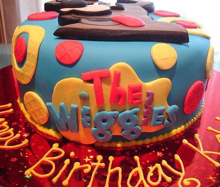 Wags the Dog Cake   Wiggles by Cre8acake, via Flickr