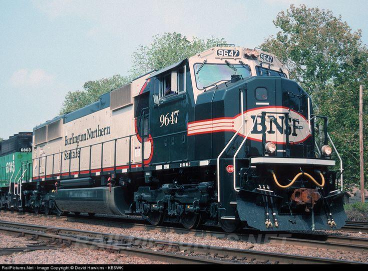 RailPictures.Net Photo: BNSF 9647 Burlington Northern Santa Fe EMD SD70MAC at Irving, Texas by David Hawkins - KB5WK
