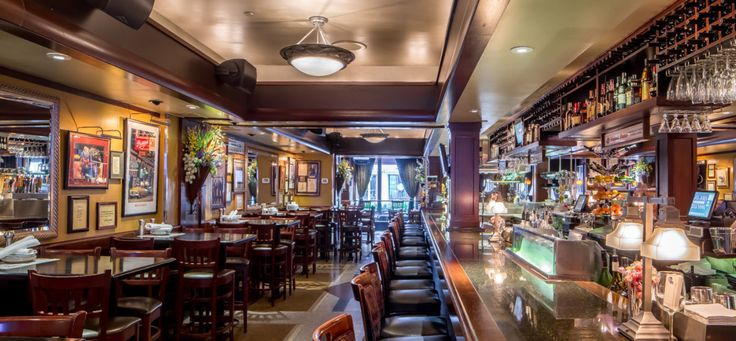 Ike's Food and Cocktails of Minneapolis is located in the heart of downtown. It is just blocks away from Target Field, Target Center & US Bank Stadium!