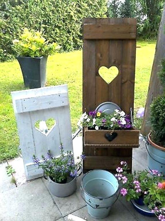 Dekoration Garten Holz Holzdeko Holzdekoration Machen Selber Holz Dekoration Garten Holzdekoration Holzde In 2020 Holz Deko Garten Selber Machen Dekoration Deko