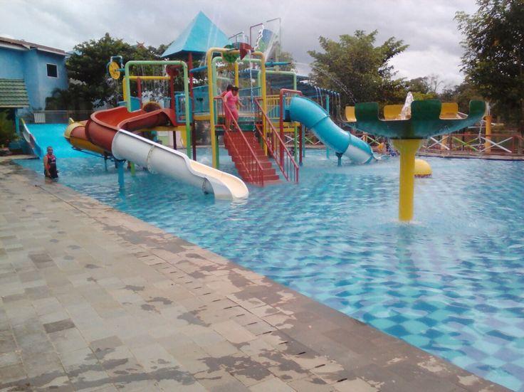 kolam renang banjarmasin, kolam renang kalimantan, kolam renang jakarta, kolam renang surabaya, waterboom, wisata bermain anak, jasa kolam renang.