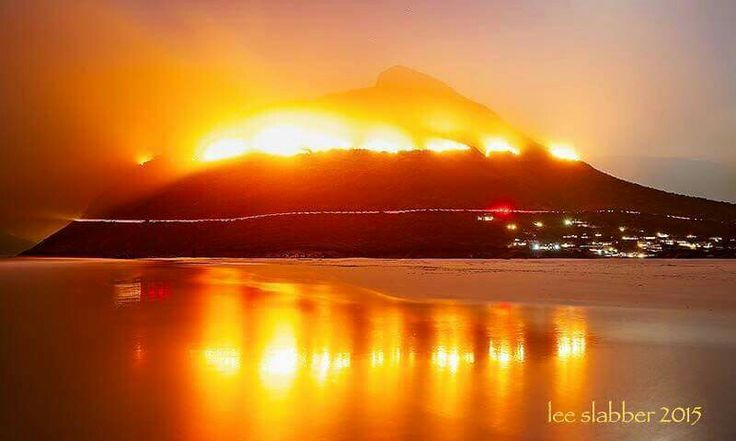 March 2015 - Terrible fire on the cape peninsula (SA) destroing fauna and flora in this beautiful area. Chapmans Peak on fire!