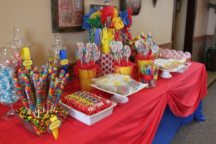 carnival centerpiece ideas from this display