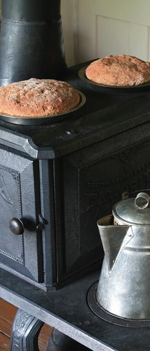 wood stoves are perfect for cooking, heating the home, and enjoying a nice fire!: Country Charms, Country Living, Old Stoves, Country Cooking, Baking Breads, Woods Stoves Kitchens, Cooking Stoves, Old Woods, Woods Burning Stoves