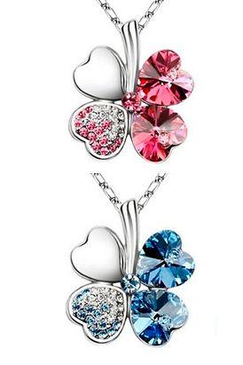 Este lindo collar, para destacar por su belleza y brillantez, trae diferentes colores para elegir: rosado, púrpura, azul lago, azul, claro.  Largo de cadena: 45 cm.