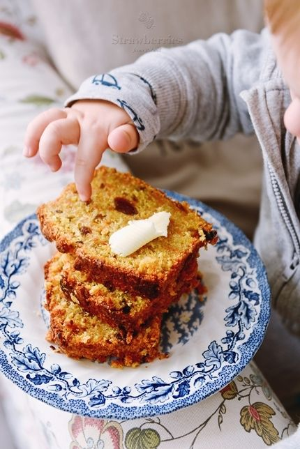 Coconout-carrot cake with dried apricots.