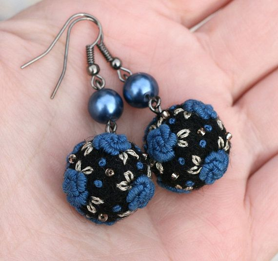 Bullion stitch rose felt earrings Midnight by NettesRoseGarden