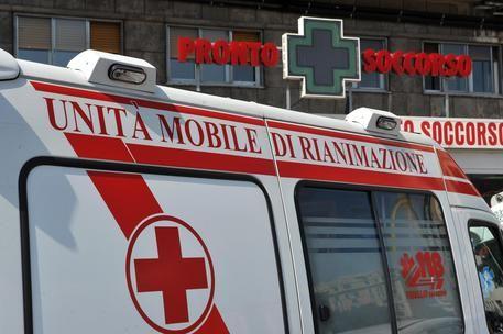 Novara: bimbo di 3 anni soffoca con una caramella, grave