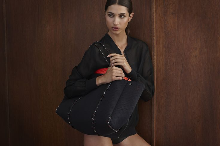 Black/Hot Coral Escape carryall