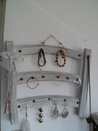 25 best ideas about porte bijoux on pinterest necklace - Porte bijou originalidees pour exposer ses tresors ...