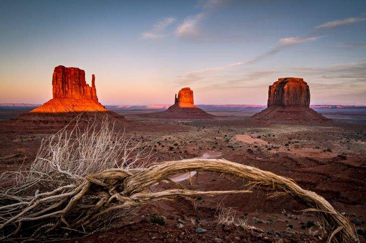 Monument Valley by Wesley Aston on 500px