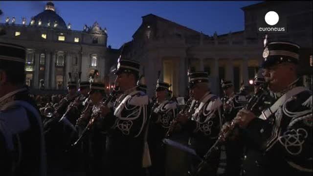 VIDEO: El Vaticano ya tiene su tradicional árbol de Navidad - http://uptotheminutenews.net/2013/12/13/latin-america/video-el-vaticano-ya-tiene-su-tradicional-arbol-de-navidad/