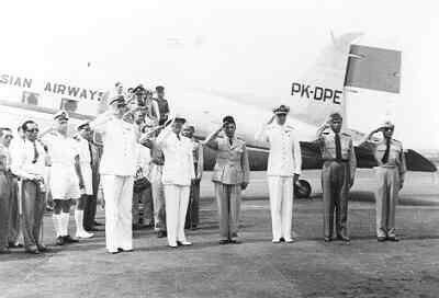Aankomst van President Soekarno in Soerabaja , januari 1950