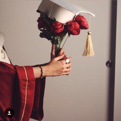 صور قبعات تخرج ليدي بيرد Graduation Photography