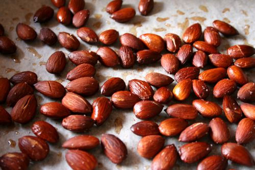 roasted salty almonds | the boot (olive oil & sea salt)