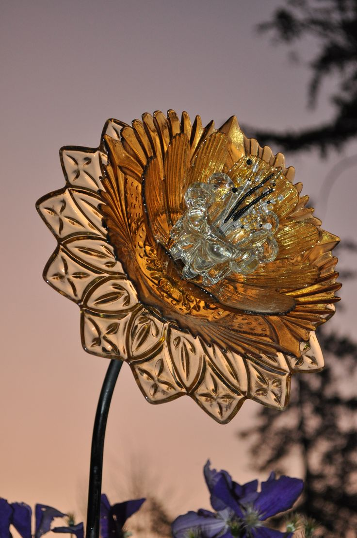 25 best ideas about glass garden flowers on pinterest for Flowers made of glass