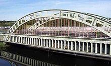 Through arch bridge - Wikipedia, the free encyclopedia