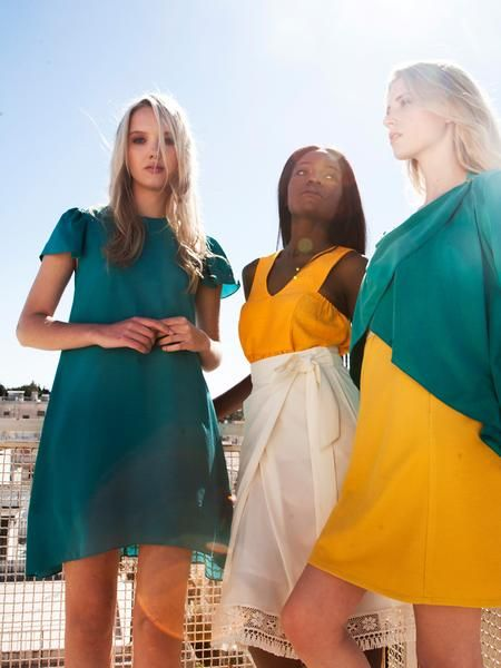 Bright colour summer look / Emerald girly mini dress / A-line / beautiful sleeves / White midi wrap skirt / lace trim / Yellow top / Straight cut light summer dress / Emerald draping wrap cardi