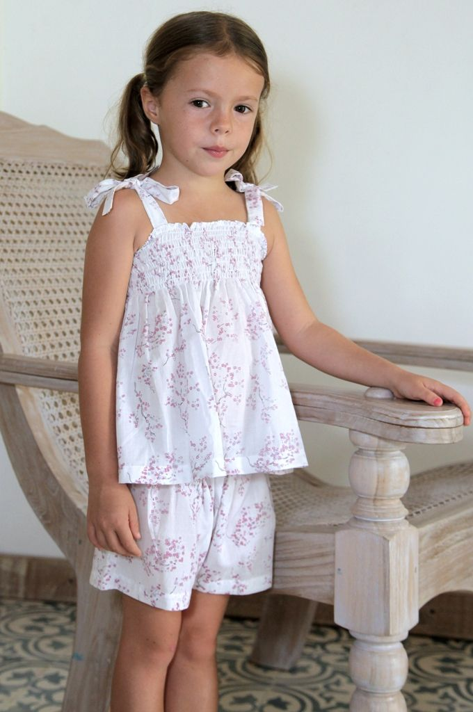 (http://www.notinthemalls.com/products/Blossom-Gathered-Short-Set.html)