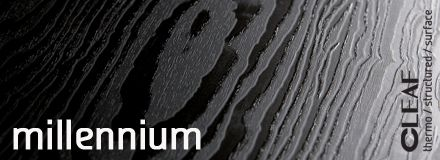 Inspirowana miękkim drewnem szczotkowanej Czerwonej Sosny, płyta meblowa Cleaf Millennium ma niespotykaną na polskim rynku grubą strukturę pięknie załamującą światło. Nieprzewidywalny niczym płomienie układ słojów w połączeniu z nowatorską strukturą daje niesamowity efekt 3d, a z pozoru banalna biała czy czarna płyta zyskuje wiele odcieni. więcej: http://www.forner.pl/pl/cleaf-millennium-struktura-z-kolekcji-forner-59-cleaf