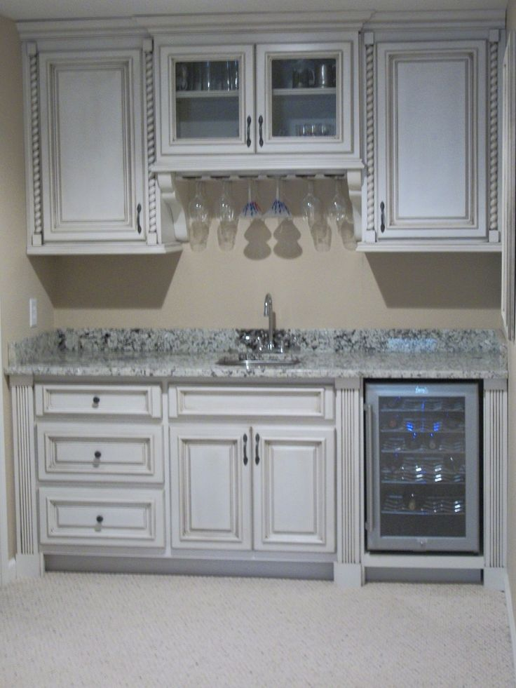 1000 ideas about basement kitchenette on pinterest for Basement kitchenette with bar