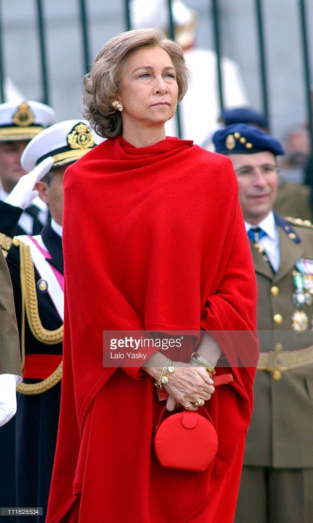 La majestad se lleva dentro (Majesty is carried in the inside) | Now Queen Mother Sofía of Spain, born a Royal Princess of Greece & Denmark. Love her!