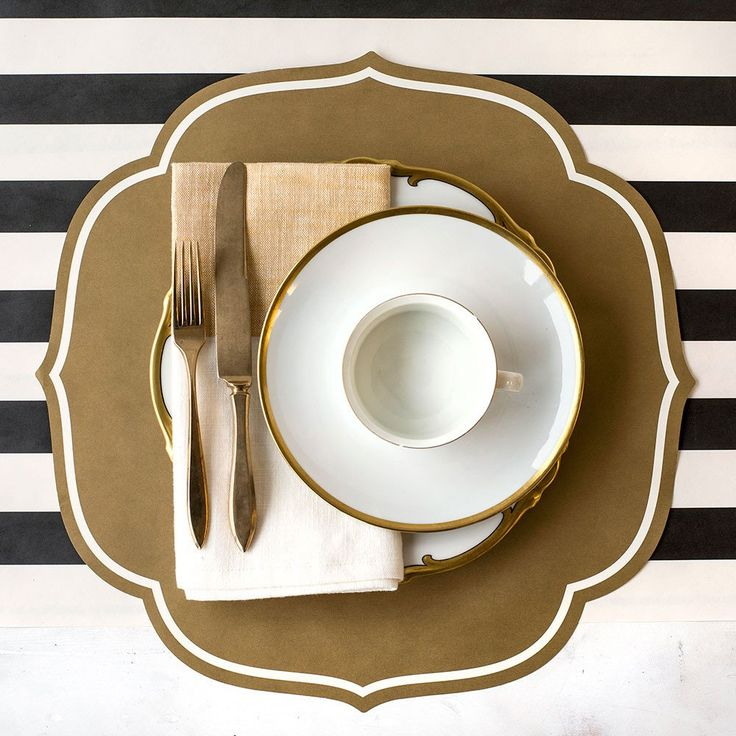 Die Cut Paper Medallion Table Placemats in Gold<br>12 Sheets per Pack