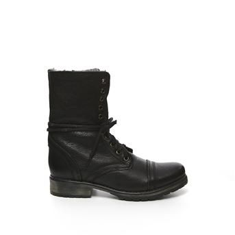 http://www.stevemadden.eu/women/boots/steve-madden-black-15281048