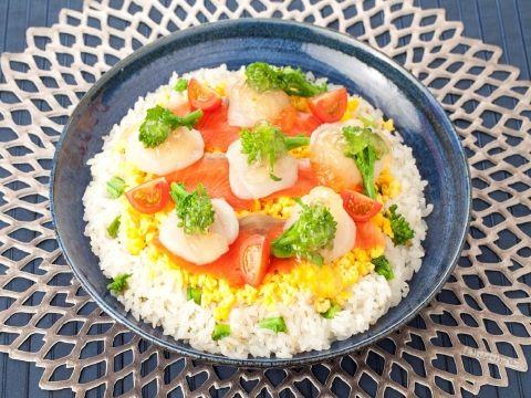 サーモンと菜の花の塩麹ジュレちらし  https://recipe.yamasa.com/recipes/787
