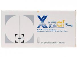 Ilustrační obrázek léčiva určeného na tlumení alergické rýmy a kopřivky Xyzal 5 mg. Příbalový leták naleznete na http://www.pribalovy-letak.cz/451-xyzal.