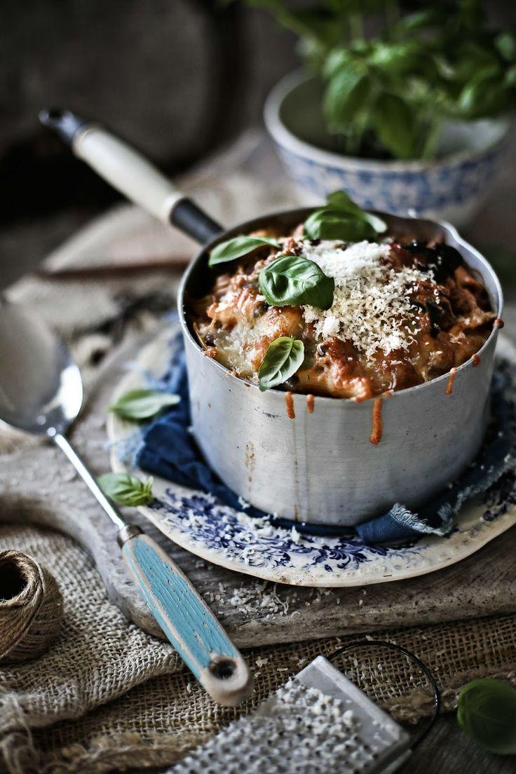 Pratos e Travessas: Penne no forno com bacon, cogumelos, espinafres e alcaparras # Baked penne with bacon, mushrooms, spinach and capers