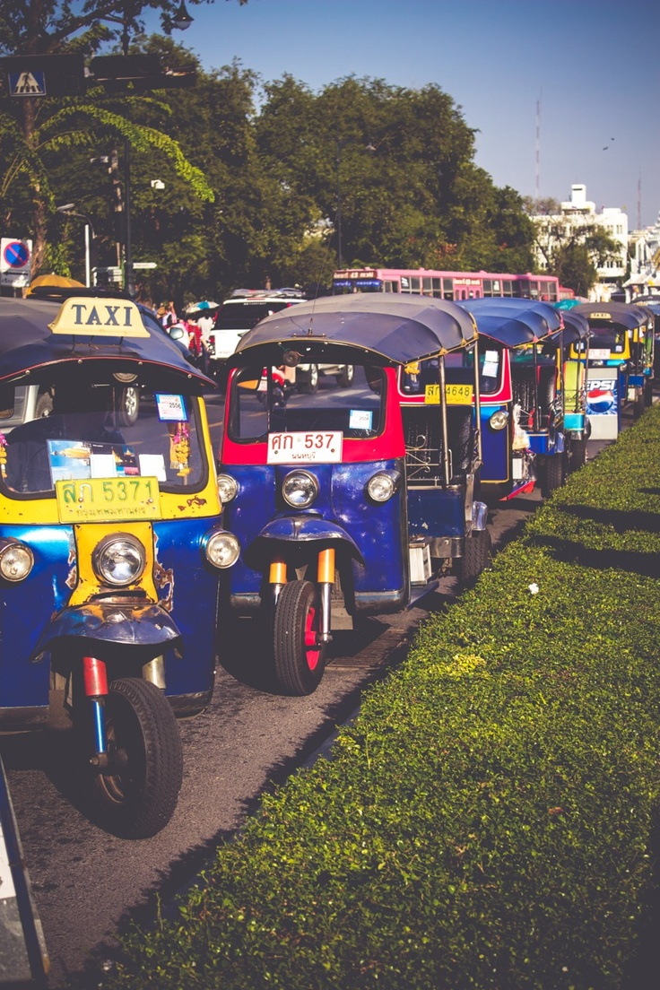 1000 images about tuk tuk on pinterest cars limo and songkran thailand. Black Bedroom Furniture Sets. Home Design Ideas