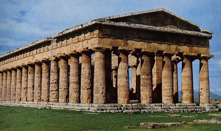 Tempio di Nettuno ( o Poseidonion), ca 460-450 a.C. . Sorge a Paestum ed è uno dei meglio conservati, completo dell'intera trabeazione e dei 2 frontoni. Edificio dorico periptero con peristasi di 6X14 colonne. Presenta un naos suddiviso longitudinalmente in 3 navate, con 2 ordini di 7 colonne sovrapposte.