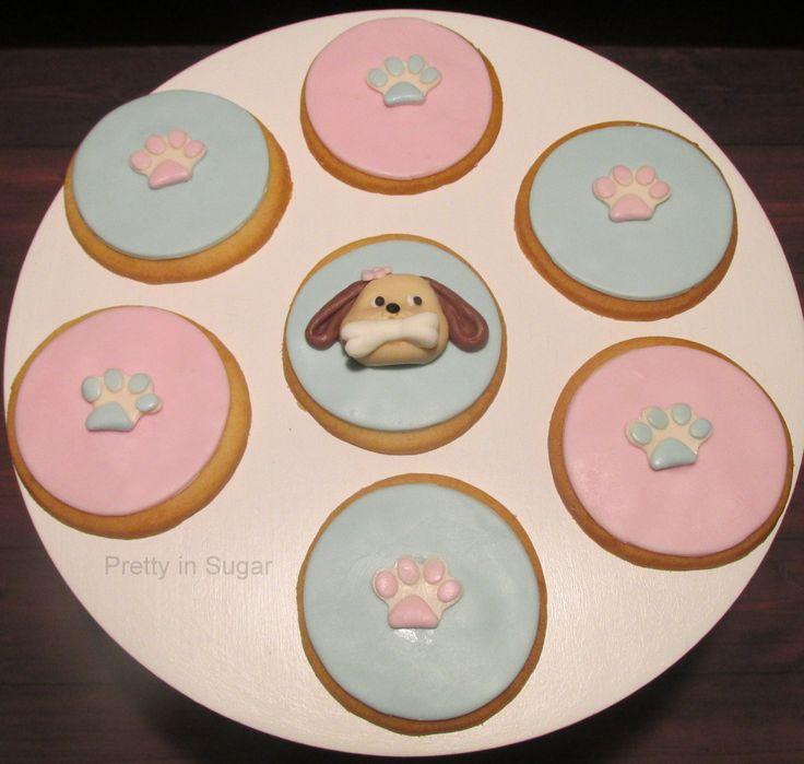 Dog fondant cookies