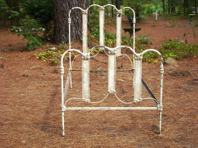 Antique Iron Bed Circa 1910 20 Half Moon 9 Bar 671 1
