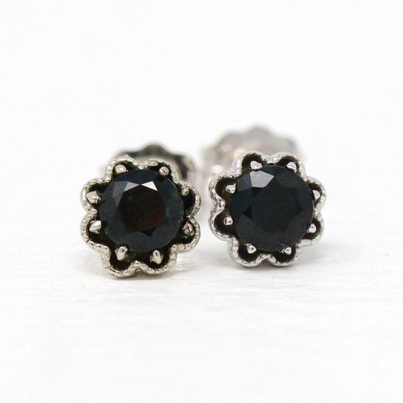 Beautiful Handcrafted 10k White Gold Genuine Sapphire Flower Motif Earrings The Floral Design Studs Made With Recycled Gold Contain Scalloped With Images Genuine Sapphire